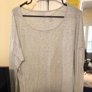 Long-sleeve, target sleep top